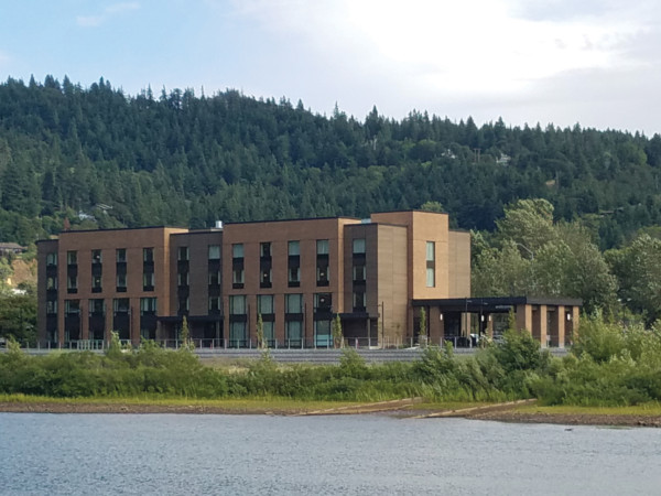 Hampton Inn & Suites Opens in Hood River