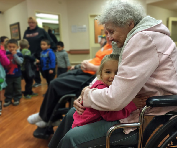 "Youngsters bring smiles to ""Grandpas and Grandmas"" Columbia Basin Care partners with Head Start"